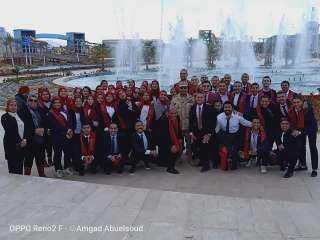 وفد جامعة عين شمس يتفقد عدداً من المشروعات في منطقة هضبة الجلالة