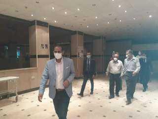 رئيس جامعة أسوان يزور المستشفى الجامعي
